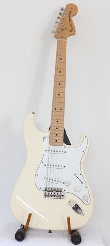 Fender Classic Series 70\'s reissue Stratocaster